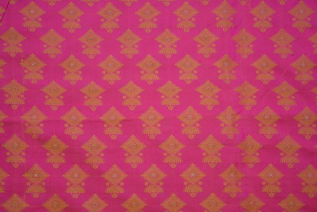 Magenta And Golden Tanchui Banarasi Silk Fabric